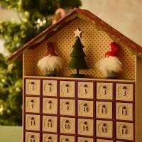 手作りのアドベントカレンダーで「もういくつ寝るとクリスマス?」